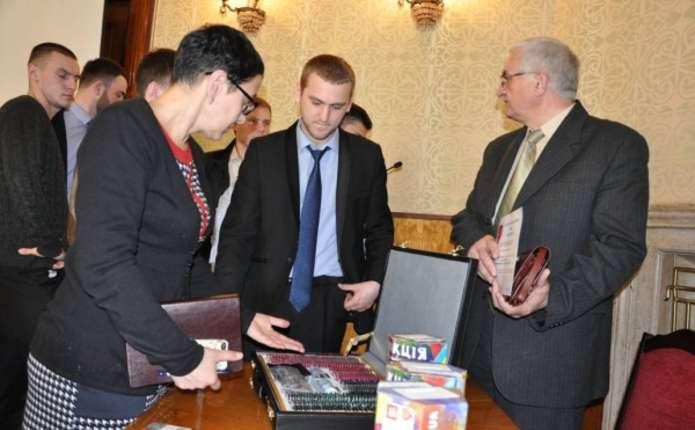 Для медичних закладів Чернівців придбали офтальмологічне обладнання