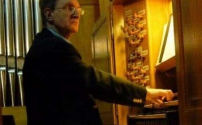 Вперше у Чернівцях виступить органіст і диригент Паризької консерваторії