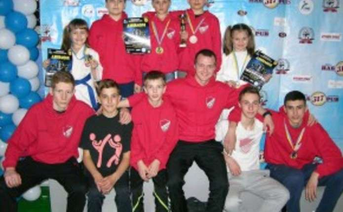 СК Максимум здобув повний комплект нагород на міжнародних змаганнях