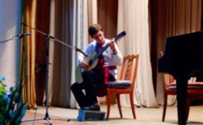 Благодійний концерт Великодні краплини надії провели у Вижниці