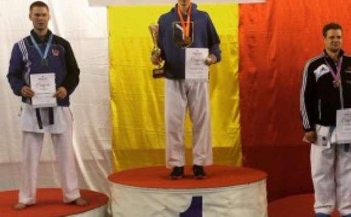 Чернівчанин Чоботар став переможцем етапу Кубку світу з карате в Чехії