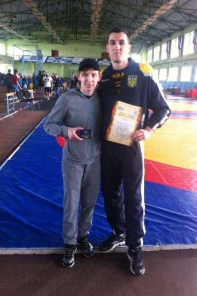 Чернівчанці урочисто вручили посвідчення Заслуженого майстра спорту