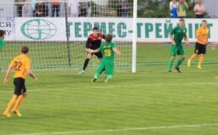 Як грала ФК Буковина 23 травня у різні роки
