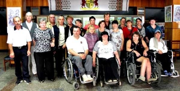 Змагання для людей з інвалідністю провели у Сторожинці