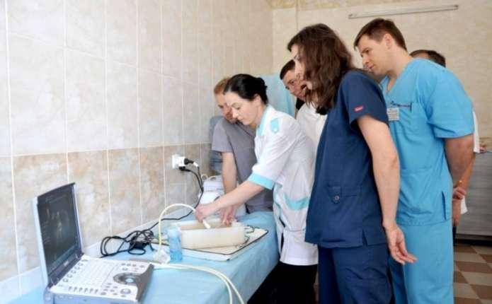 Хірурги з Харкова ділилися досвідом з буковинськими медиками