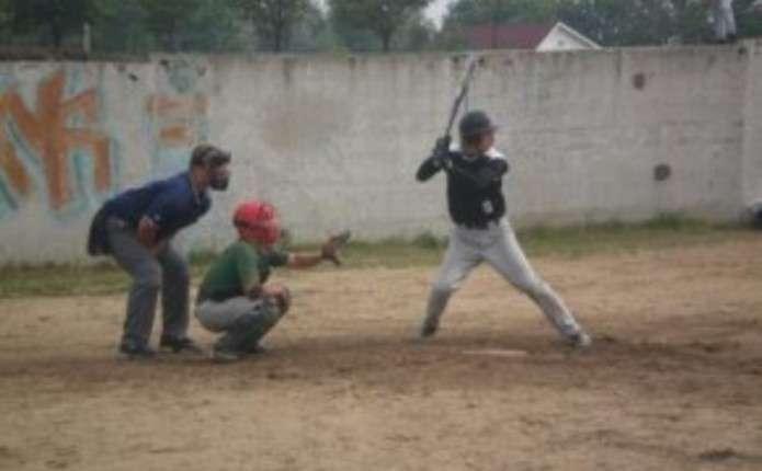 Чернівецькі бейсболісти зіграли з чемпіоном України