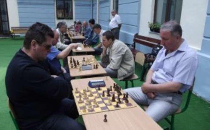 Чи хочуть грати у шахи буковинці та чи популярним є цей вид спорту