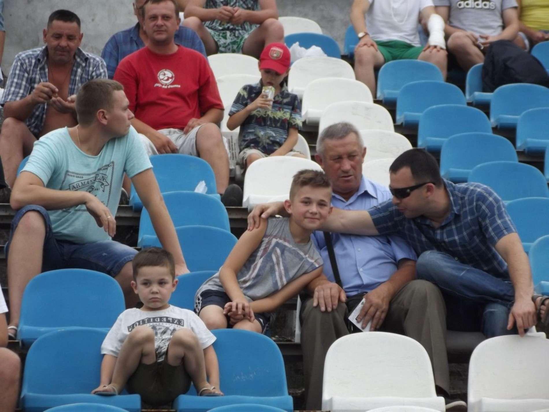 На гру ФК Буковина прийшло подивитися більше тисячі глядачів
