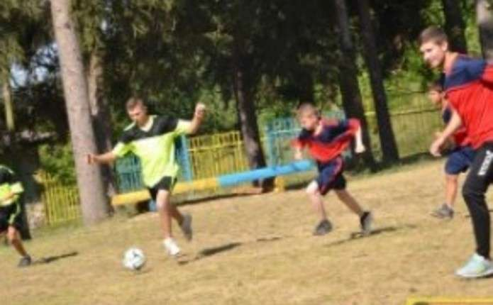 Гравці ФК Буковини зіграли з дітками у протитуберкульозному санаторії
