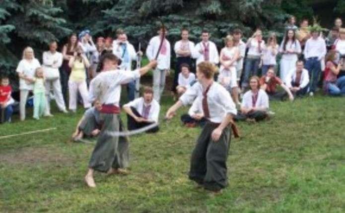 У Чернівцях на вихідних проведуть змагання Козацькі забави