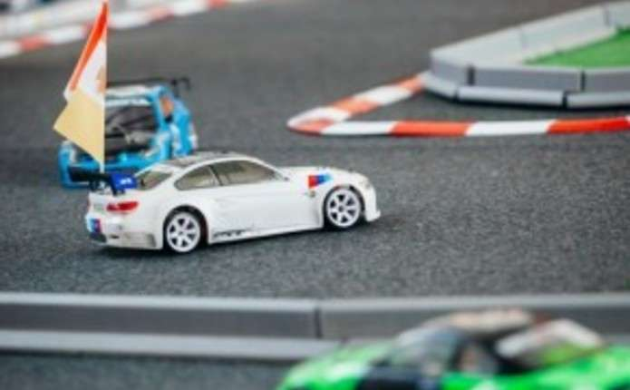 У Чернівцях стартують змагання на радіокерованих автомоделях