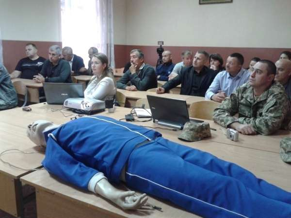 Для вчителів на Буковині провели майстер-класи з надання меддопомоги
