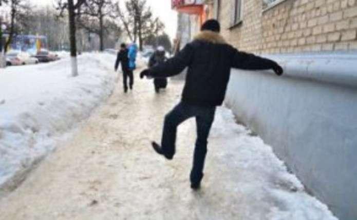За добу у Чернівцях сталося 5 випадків вуличного травматизму