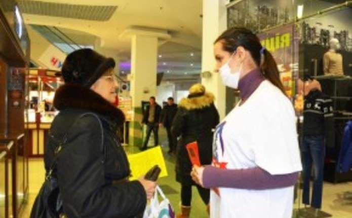 Студенти-медики розповіли чернівчанам, як уберегтися від грипу