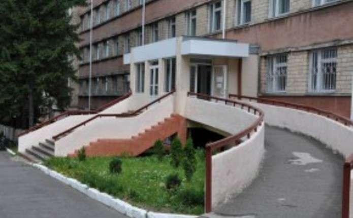 За рік у лікарнях Буковини меддопомогу отримали майже 900 військових