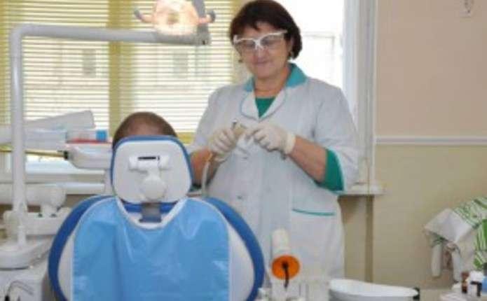 У лікарнях Заставнівщини оновили стоматологічне обладнання