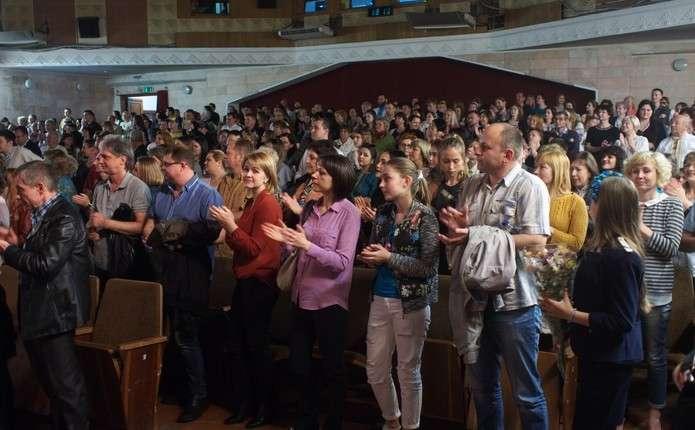 Після показу фільму Спадок нації чернівчани аплодували стоячи - Погляд –  новини Чернівці 6eeb25410e1e1