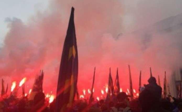 Порошенко відреагував на марш Азова