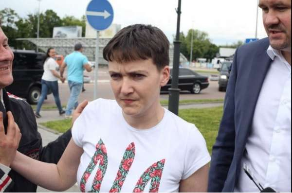 Надія Савченко повернулася в Україну