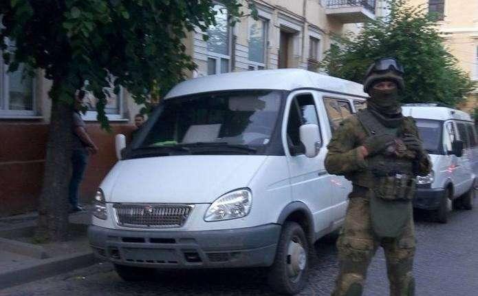 У поліції Чернівців підтвердили зв'язок між стріляниною на пляжі і затриманням тренерів