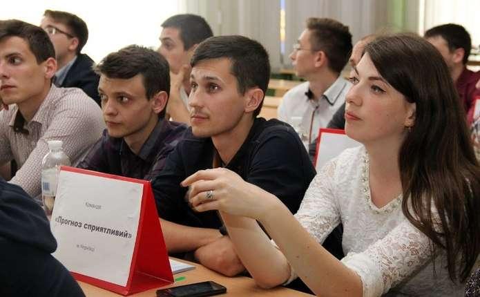 Студенти-медики з Чернівців перемогли на Всеукраїнському хірургічному турнірі