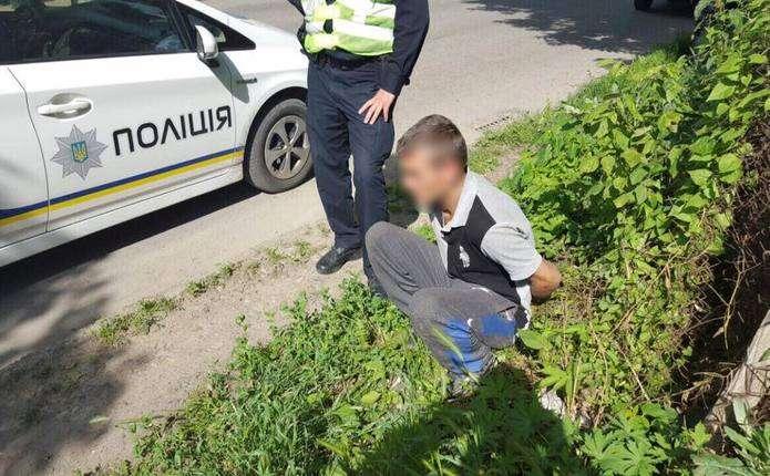 Діти допомогли чернівецьким патрульним знайти підозрюваного