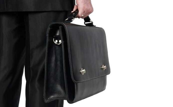 Кабмін зняв обмеження на розмір заробітних плат чиновників