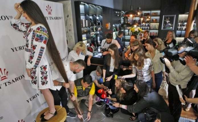 В Україні встановили новий рекорд на найдовшу косу