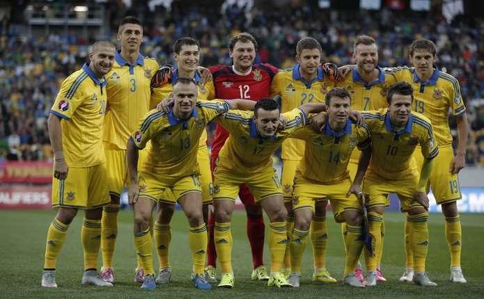 Збірна України з футболу після гри з Польщею повернеться додому