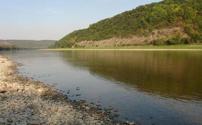 На річці у Чернівецькій області втопився чернівчанин