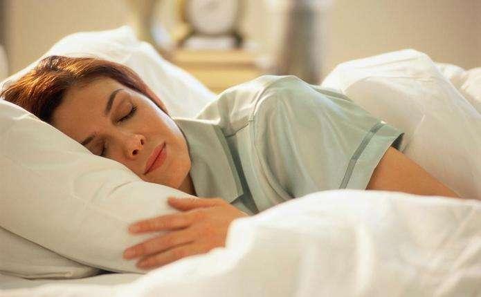 Вчені визначили, який день тижня найкращий для сну
