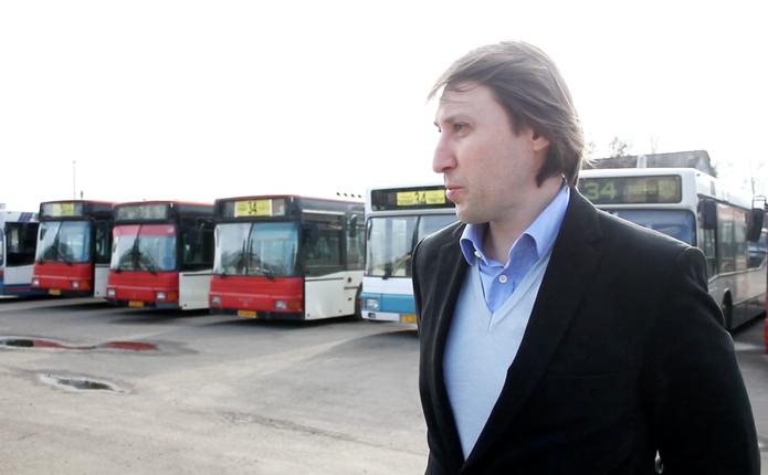 У Чернівцях комфортні автобуси з кондиціонерами простоюють: чекають кращих часів