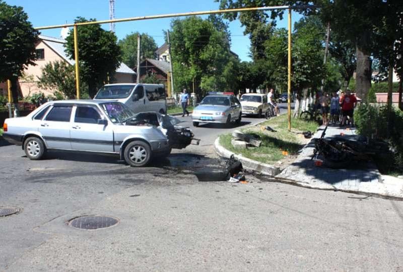 У Чернівецькій області в аварії загинув молодий хлопець