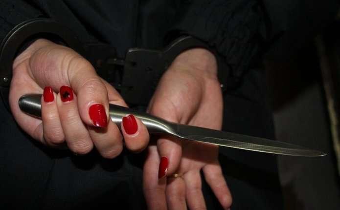 У Чернівецькій обасті вагітна жінка порізала свою маму і покінчила життя самогубством