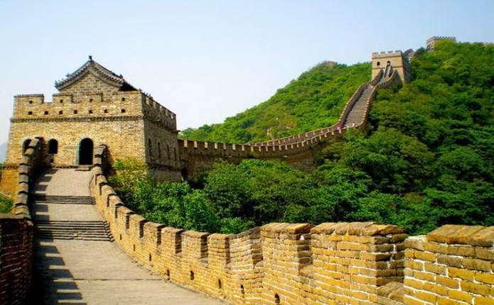 Через серйозні зливи обвалилась Велика Китайська стіна