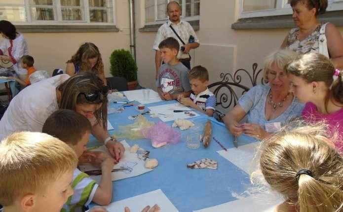 Чернівецькі сім'ї запрошують на фестиваль у Ратушу