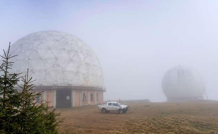 Засекречена радіолокаційна станція в буковинських Карпатах стала туристичною принадою