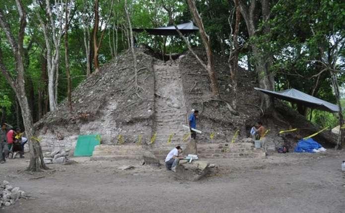 У Белізі знайшли незвичну гробницю майя