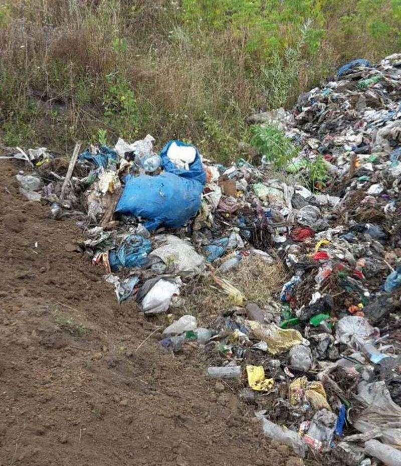 За інцидент зі сміттям у Чернівецькій області взялася поліція