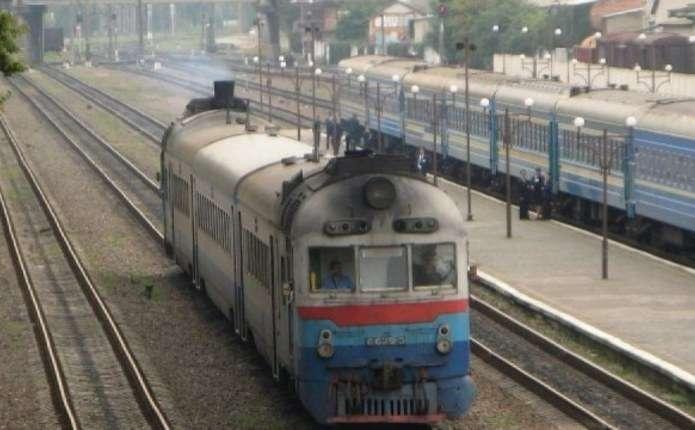 Через ремонт залізничної колії до Чернівців практично неможливо дістатися