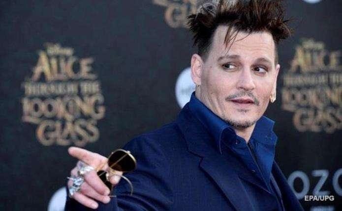 Джонні Депп відрізав собі палець через ревнощі