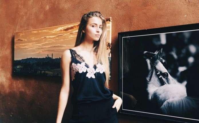 15-річна онучка Софії Ротару показала як відпочиває в Італії