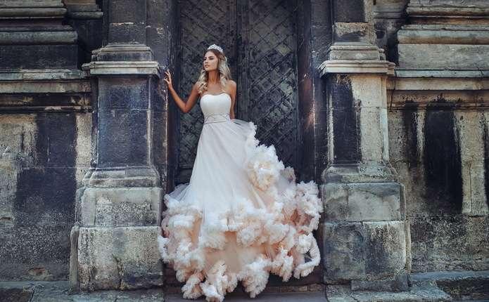 b5fdcb351f7c02 Весільні сукні в Чернівцях: різноманітність і оригінальність фасонів ...