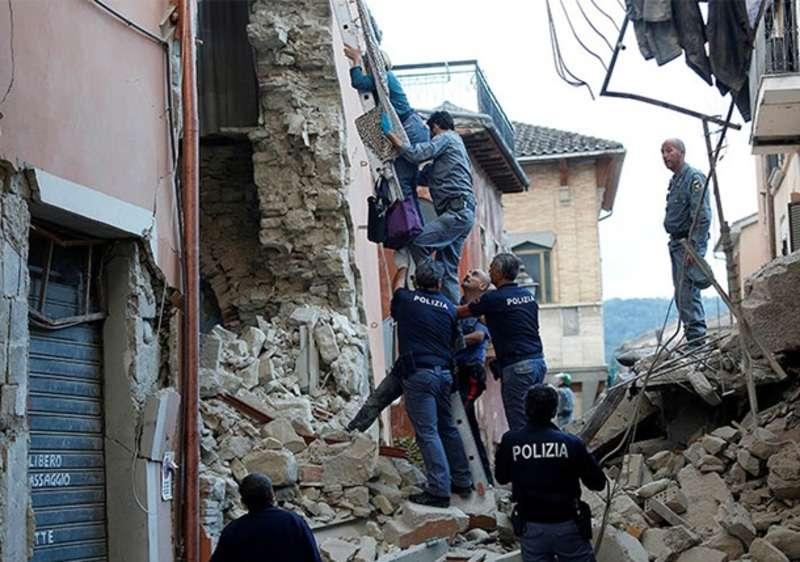 Кількість загиблих внаслідок землетрусу в Італії зросла до 120 осіб