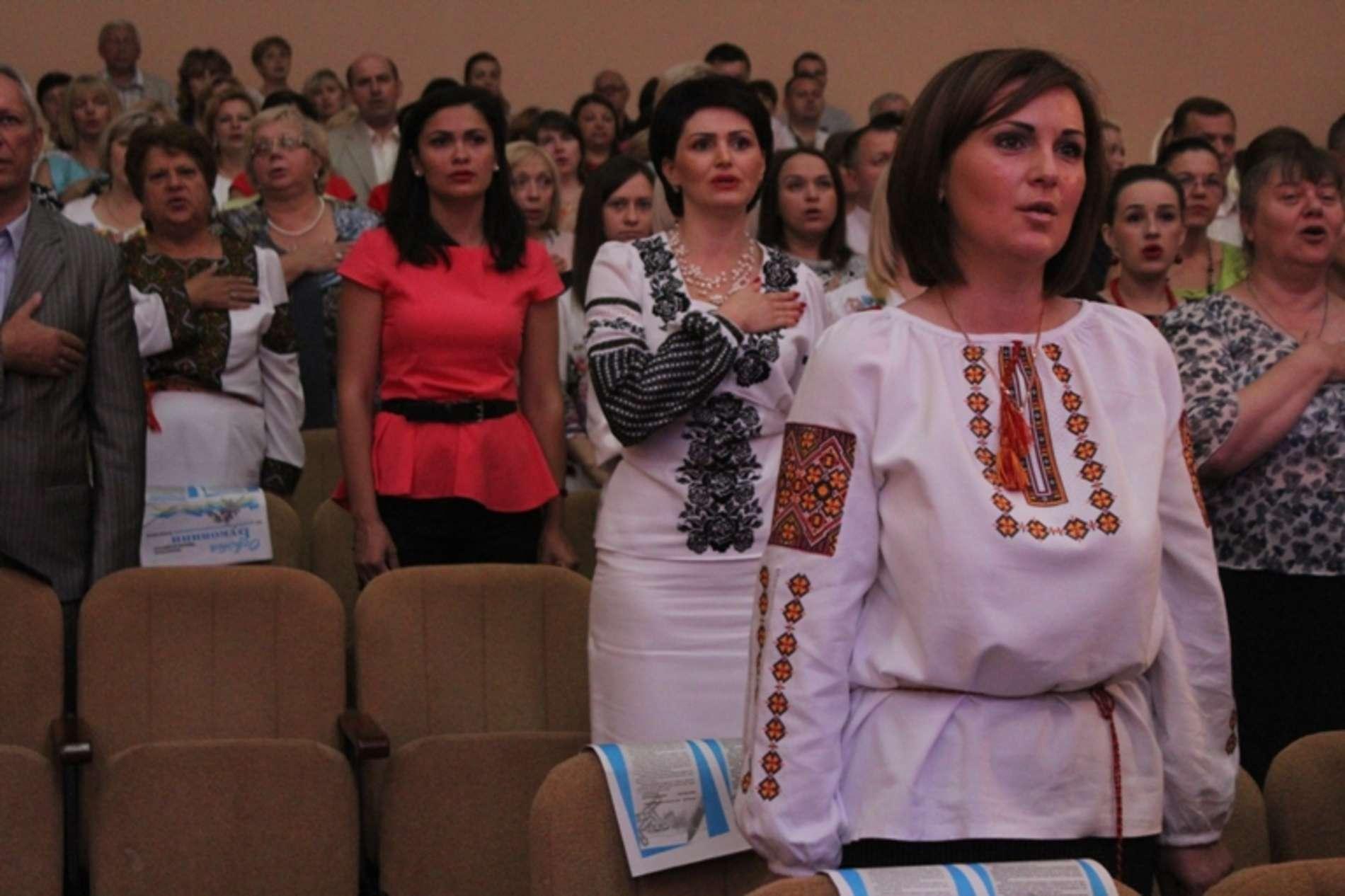 Кращих освітян Чернівецької області відзначили Почесними грамотами