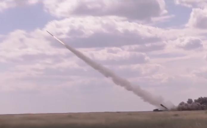 У мережі з'явилося відео запуску української ракети до системи Смерч