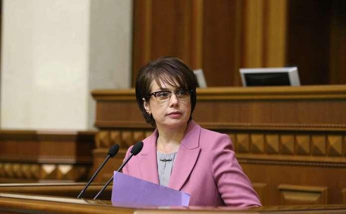 Стипендії в Україні отримуватимуть тільки відмінники