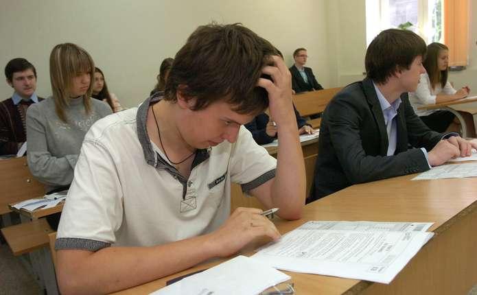 Цьогоріч у Чернівцях усі учні склали ЗНО лише у трьох школах