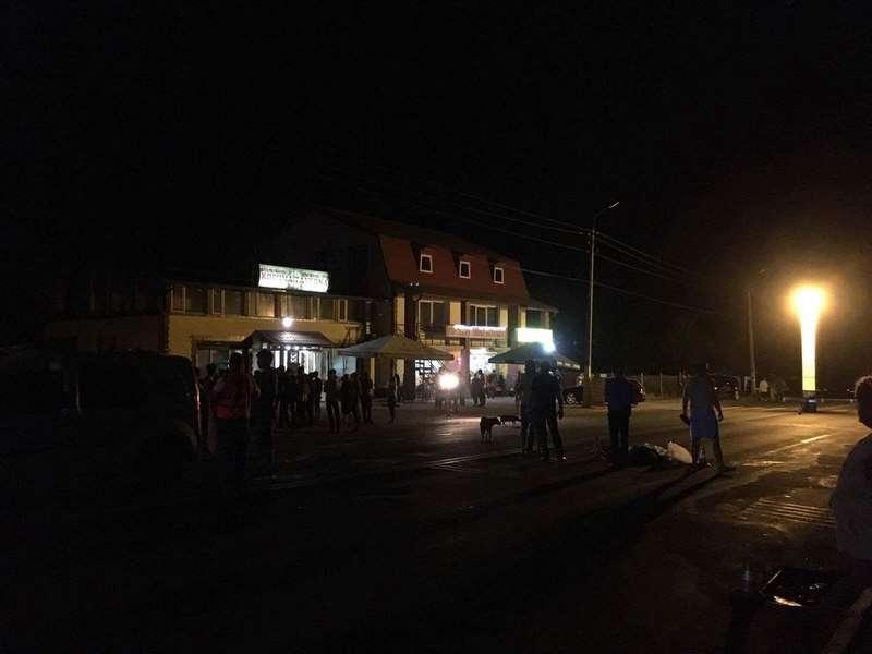 З'явились нові фото та відео з місця трагічної аварії під Чернівцями