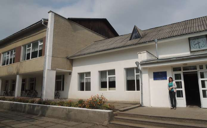 Школа у селі на Вижниччині чекає нового даху